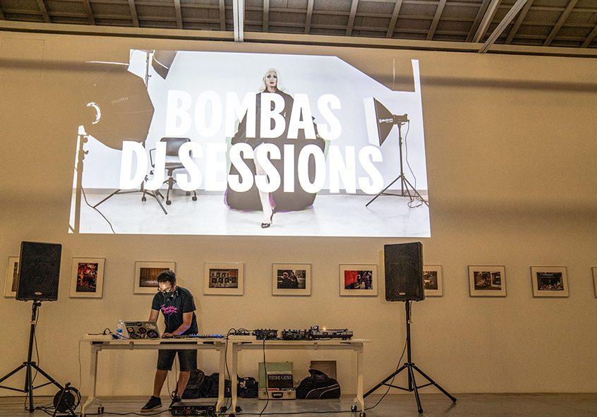 La sesión de arranque será a cargo de DJ Nerd y del propio Ismaël Chappaz (bajo el nombre de Mother Chappaz), y se continuará con la participación de artistas, comisarios y diseñadores como Carlos Sáez, Bea Escudero, Fito Conesa y los Toormix. Además, las sesiones irán acompañadas por visuales pensados expresamente para cada una de ellas.